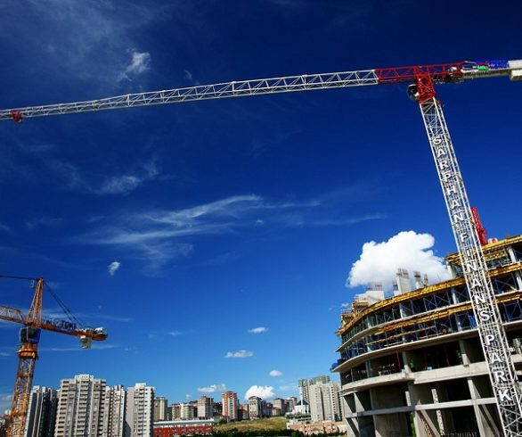 The lack of human and technical resources triggers 18.5% the price of new construction in Catalonia