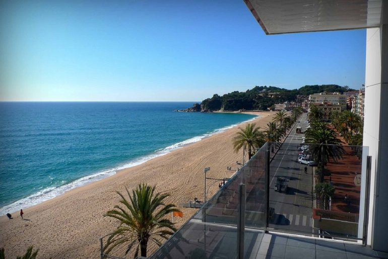 Spectacular apartment for sale in Lloret de Mar with sea views (Costa Brava)